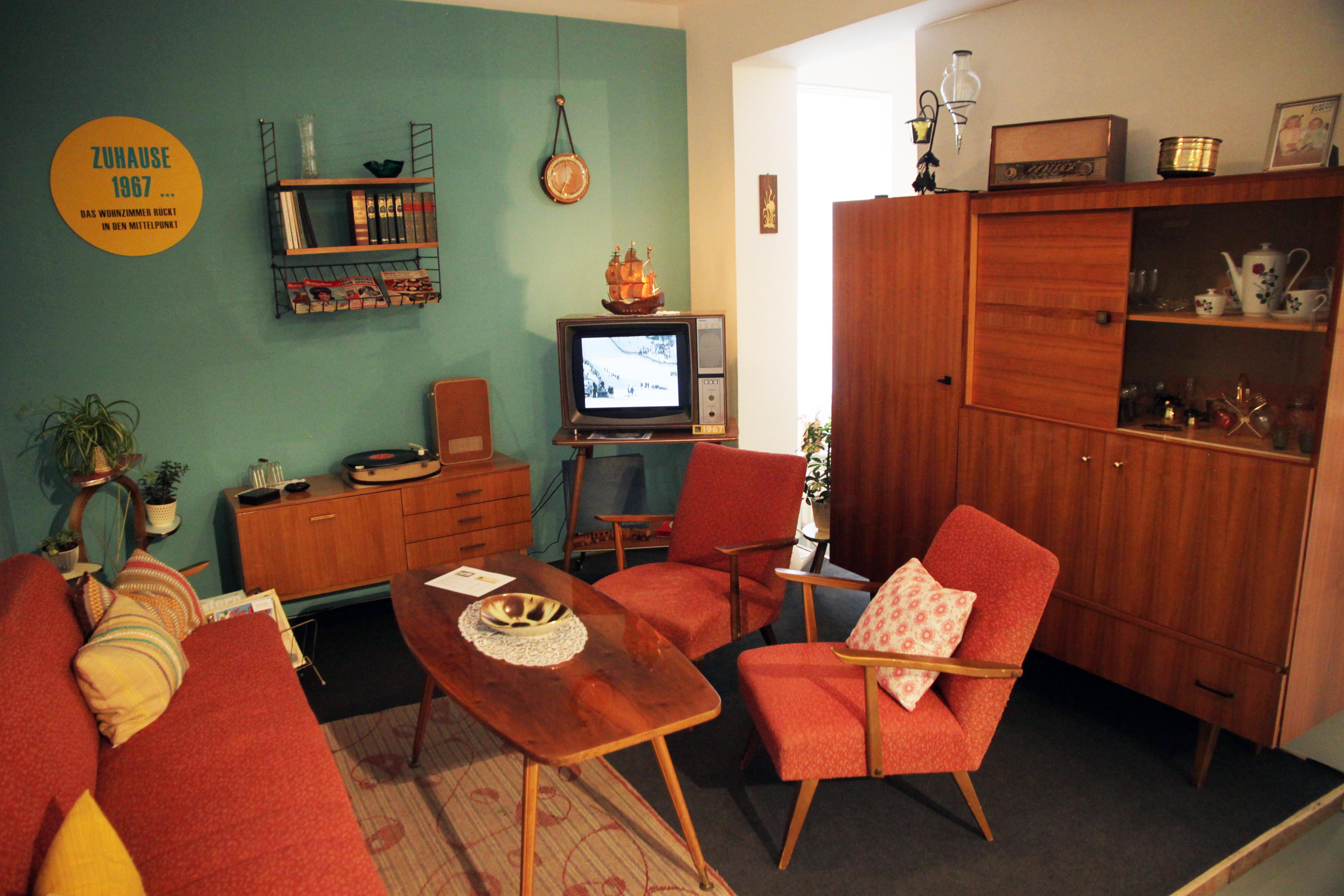 1967 Wohnzimmer der 60er Jahre (c) Alois Fuchs