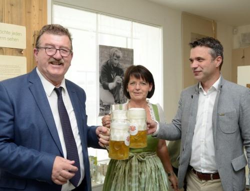 """Ausstellungseröffnung """"Grünes Gold"""" Hopfenanbau in Bürmoos und Ibm"""