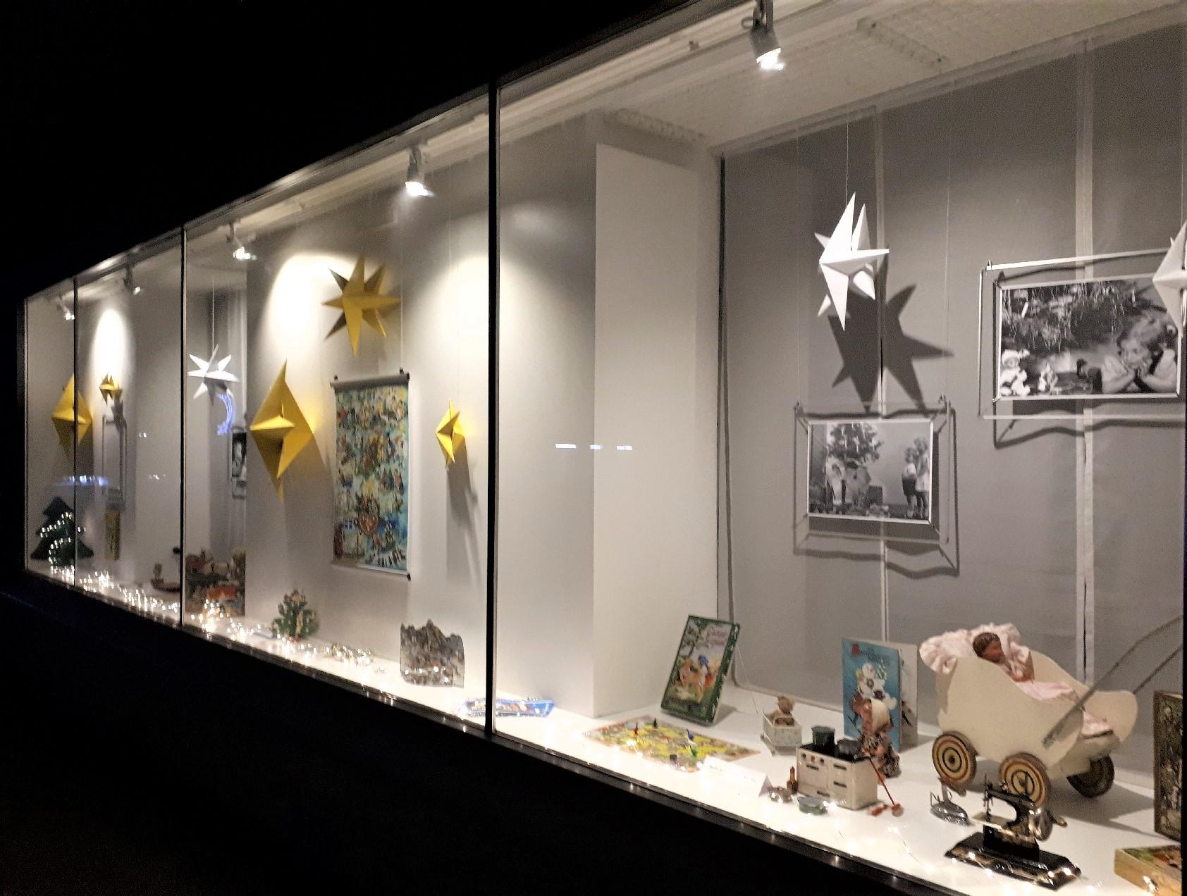 Torf-Glas-Ziegel Museum, Schaufenster 2020- Weihnachten damals